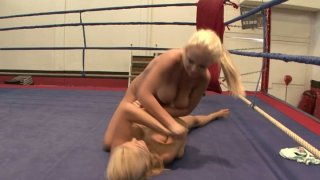 Naked fight with facesitting moments by Jessica Moore and Wivien