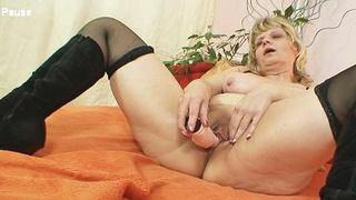 Granny woman Filipa moans like crazy when masturbates